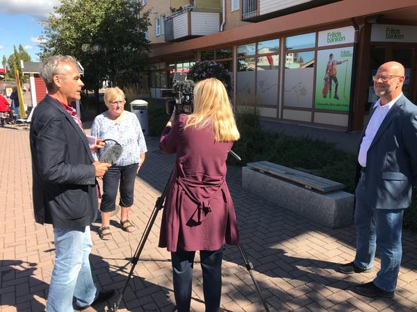 Just nu intervjuas företrädare för Vänsterpartiet och Kristdemokraterna i Hammarö. Se resultatet på vår sajt under eftermiddagen och i våra sändningar ikväll.