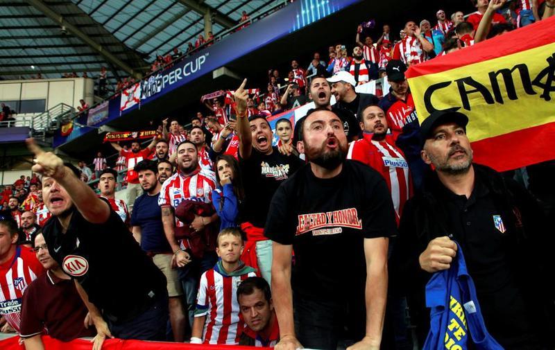 La afición del Atlético de Madrid en Talin
