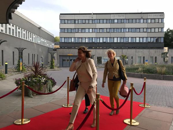 Nu anländer Isabella Lövin till SVT huset