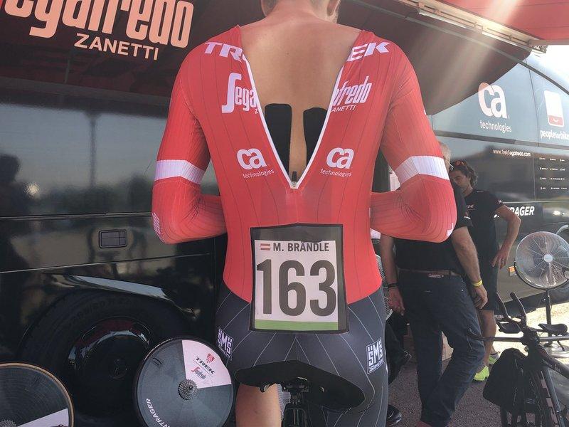 MATTHIAS BRÁNDLE (Trek-Segafredo) es un buen especialista contra el crono. ¿Entrará al top 10 final en la etapa de hoy en la Vuelta?