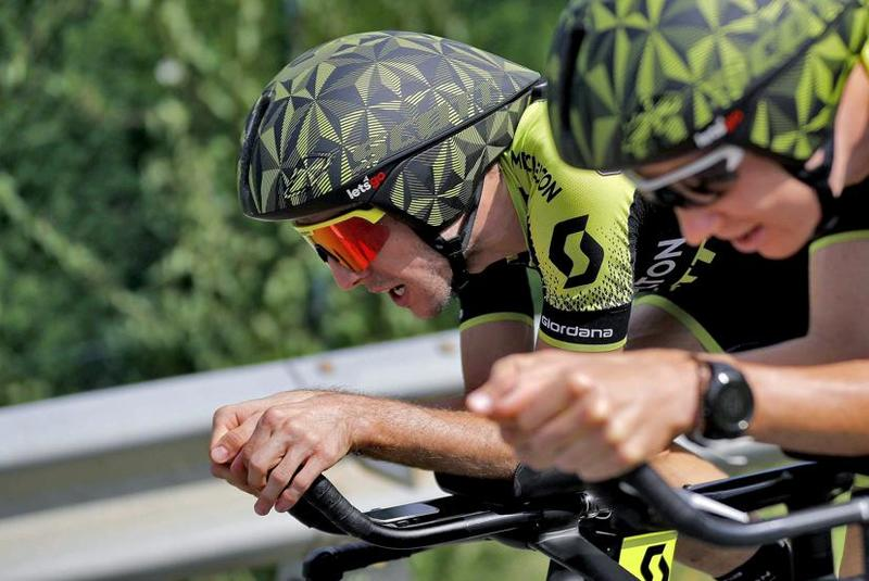 SIMON YATES (Mitchelton Scott) lucha por mantener el liderato de la Vuelta 2018 en la contrarreloj de hoy