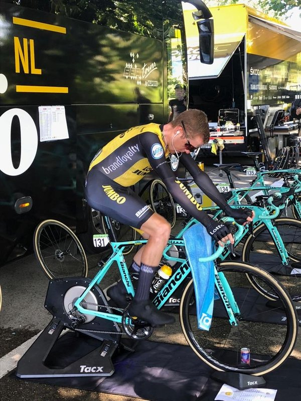 STEVEN KRUIJSWIJK (Lotto Jumbo) ya está disputando la contrarreloj de la Vuelta a España. ¿Candidato final al podio?