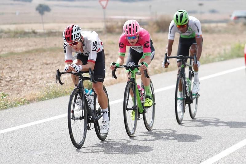KWIATKOWSKI, Clarke y Ghebreigzabhier han formado la primera escapada del día en la Vuelta a España