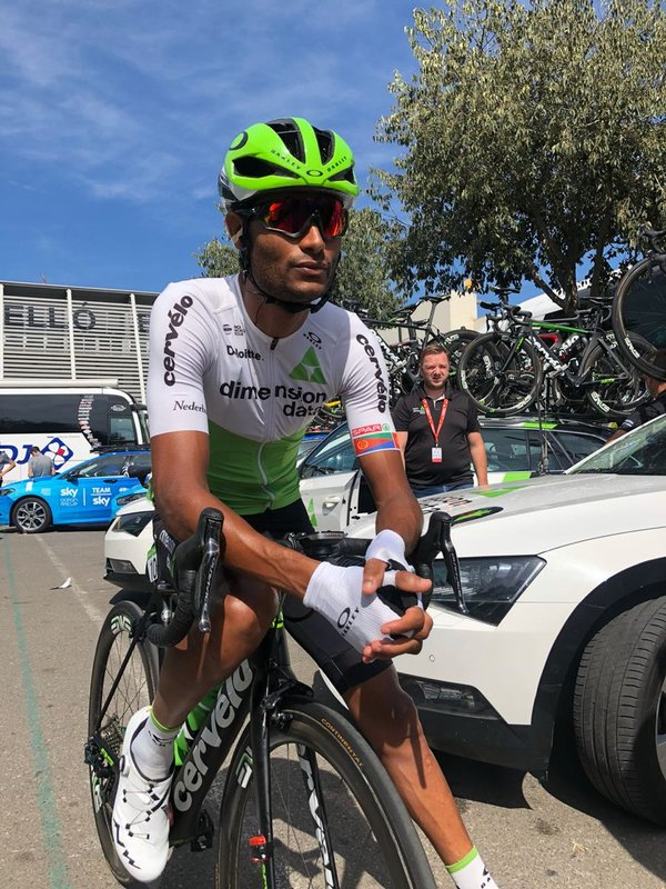AMANUEL GHEBREIGZABHIER (Dimension Data) vuelve a ser protagonista de la escapada en esta Vuelta a España 2018