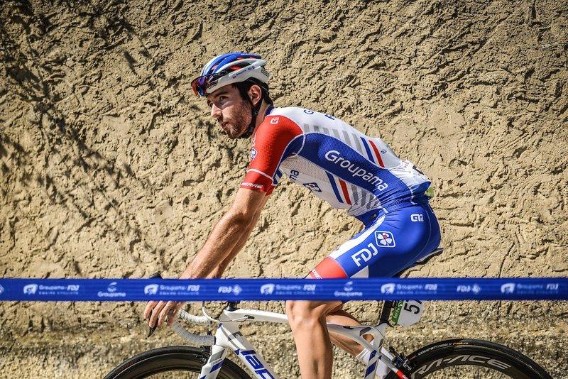 BENJAMIN THOMAS (Groupama-FDJ) intenta constantemente meterse en la escapada del día en la 19ª etapa de la Vuelta a España 2018