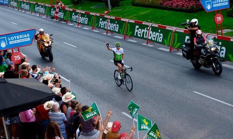 IGOR ANTÓN (Dimension Data) recibe un gran homenaje en la 21ª etapa de la Vuelta a España