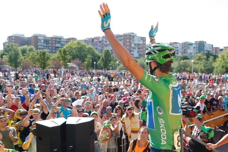 ALEJANDRO VALVERDE (Movistar) se lleva su 4º maillot verde en la Vuelta, un récord histórico en la ronda española