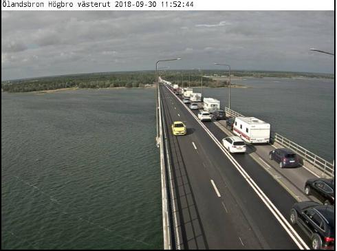 Frontalkrock pa olandsbron orsakade stopp i trafiken