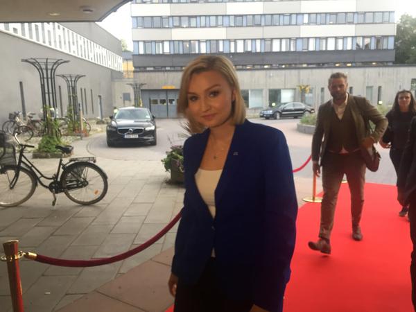 Kristdemokraternas Ebba Busch Thor på plats nu.