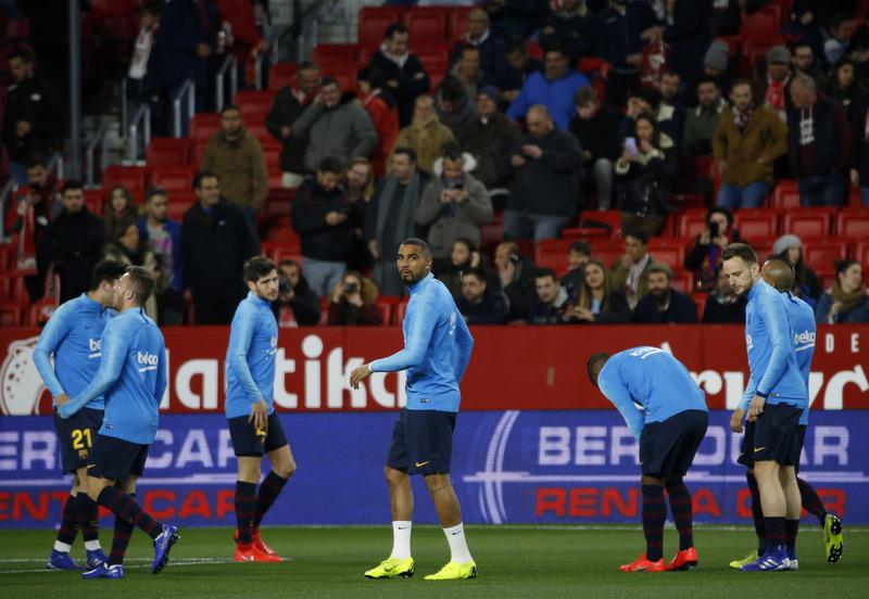 Kevin Prince Boateng, en el calentamiento del Barça en el Pizjuán. FOTO: Pep Morata-MD