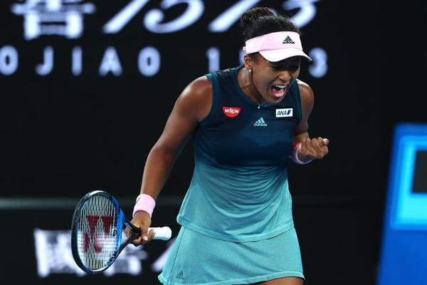 Naomi Osaka, campeona del US Open, 13 partidos invicta en Grand Slam, celebra el primer set de la final contra Petra Kvitova. Se ha encendido la nipona en el tiebreak FOTO: GETTY