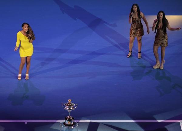 Ceremonia de apertura de la final femenina, con show musical incluido FOTO: AP
