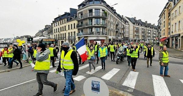Bretagne Suivez La Mobilisation Des Gilets Jaunes En Direct