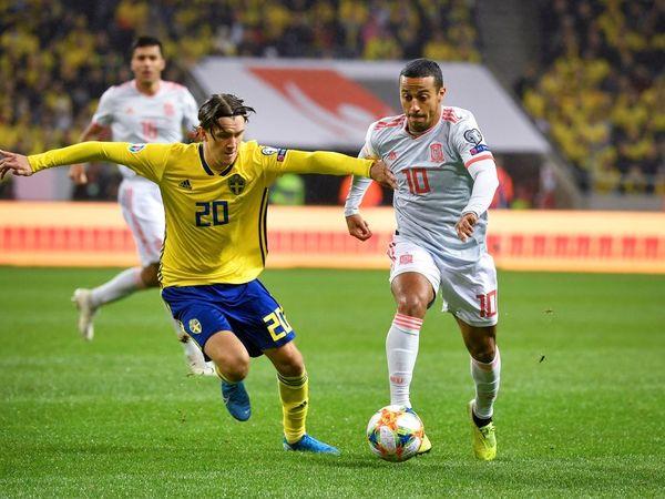 España necesita que Thiago y Ceballos entren en juego para recuperar el control del partido.