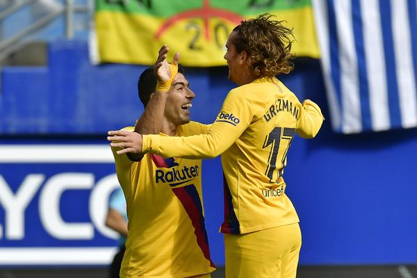 Griezmann y Luis Suárez celebran el 0-1 FOTO: AP