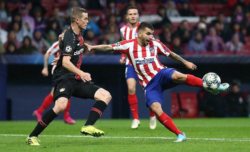 Correa, muy aislado en la parte de arriba. (FOTO: @Atleti)