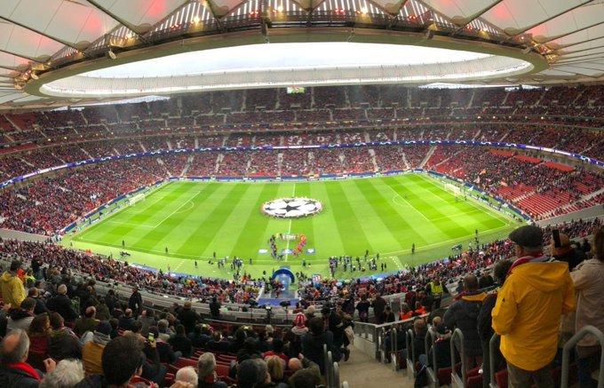 '¡Qué belleza de estadio!' dice el Bayer en su cuenta oficial de Twitter. (FOTO: @bayer04_es)