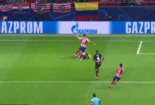 La acción reclamada por el Atlético.