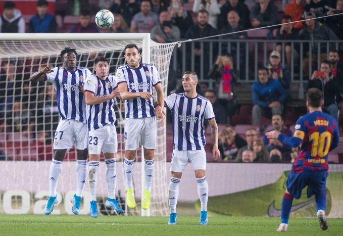 Golazo de Messi de falta. Foto: Pere Puntí - MD