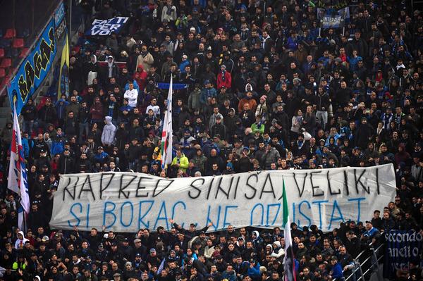 Da segnalare uno striscione di incoraggiamento da parte dei tifosi dell'Inter, in trasferta a Bologna, per Sinisa Mihaijlovic, in nerazzurro dal 2004 al 2006 e poi come vice di Mancini, in panchina, dal 2006 al 2008. I tifosi nerazzurri hanno srotolato un drappo bianco su cui, in serbo, hanno scritto 'Forza Sinisa, sei un combattente. Non mollare'.