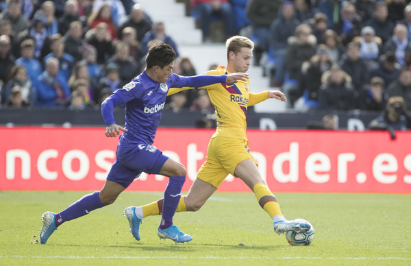 Frenkie de Jong está siendo el mejor del Barça en Leganés FOTO: J.A. SIRVENT