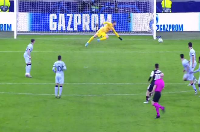 A punto de marcar el segundo la Juventus.