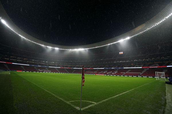 Aspecto del Wanda Metropolitano media hora antes de que dé inicio el Atlético-Barça FOTO: EFE