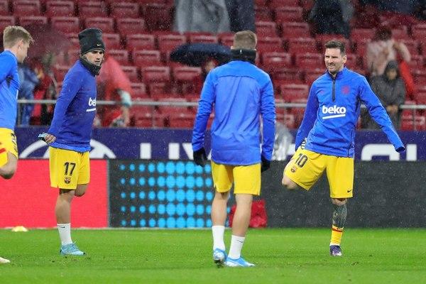 Griezmann, durante el calentamiento con el Barça en el Wanda Metropolitano FOTO: EFE