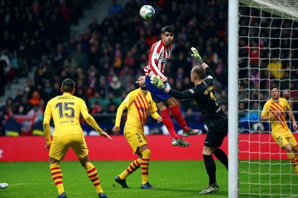 Morata fue una pesadilla para la defensa del Barça en esta primera parte FOTO: EFE