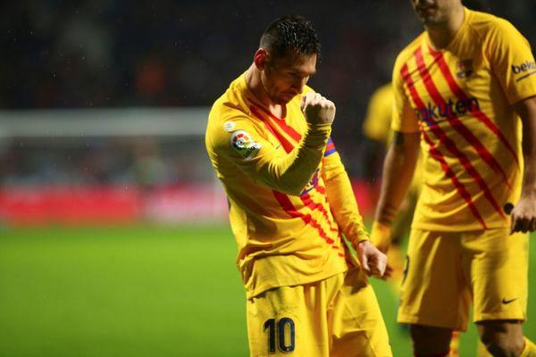 Messi celebra su primer gol ante el Atlético en el Wanda que valió para darle los tres puntos al Barça FOTO: EFE