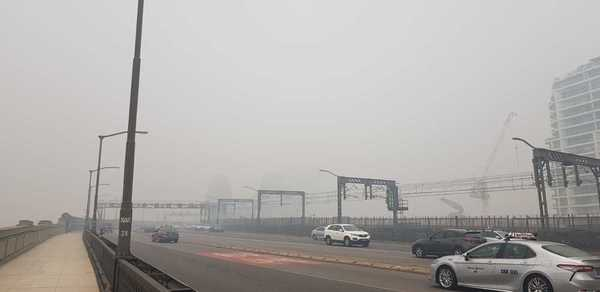 Shows air quality on 10th December 2019 by showing the Sydney Harbour Bridge from Milsons Point.