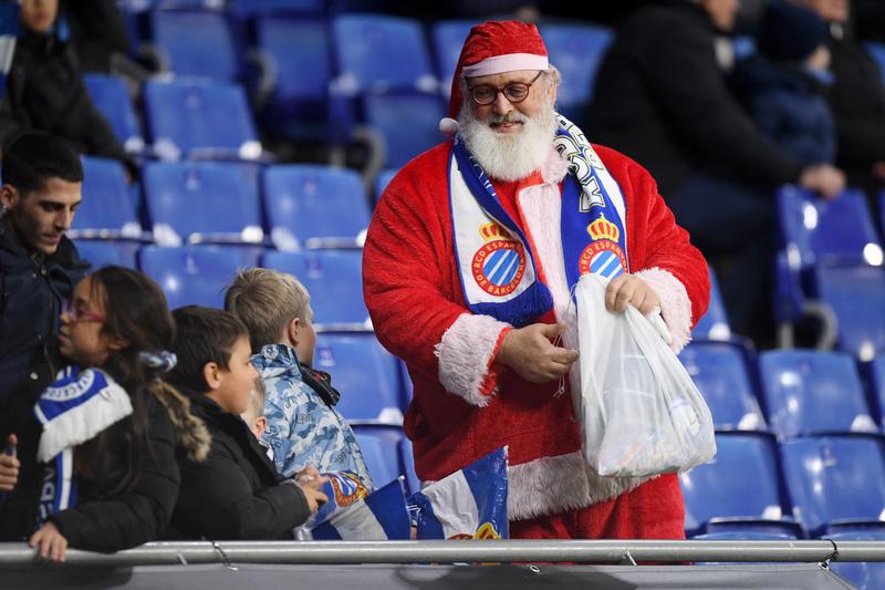 Papa Noel ya llegó al RCDE Stadium
