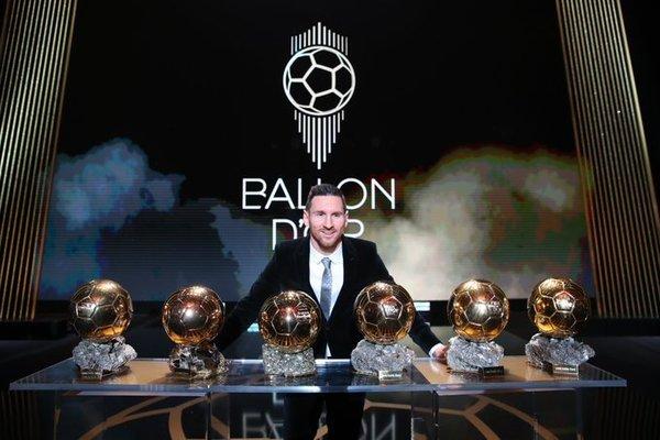 ¡El hombre de los seis Balones de Oro! FOTO: FRANCE FOOTBALL