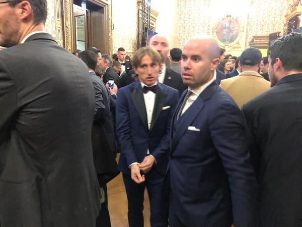 Modric, a su llegada a la Gala FOTO: FERRAN MARTÍNEZ
