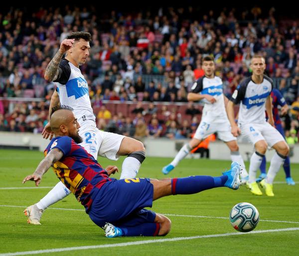 Arturo Vidal ha firmado el 2-0 ante el Alavés, el quinto que marca en la Liga FOTO: PEP MORATA