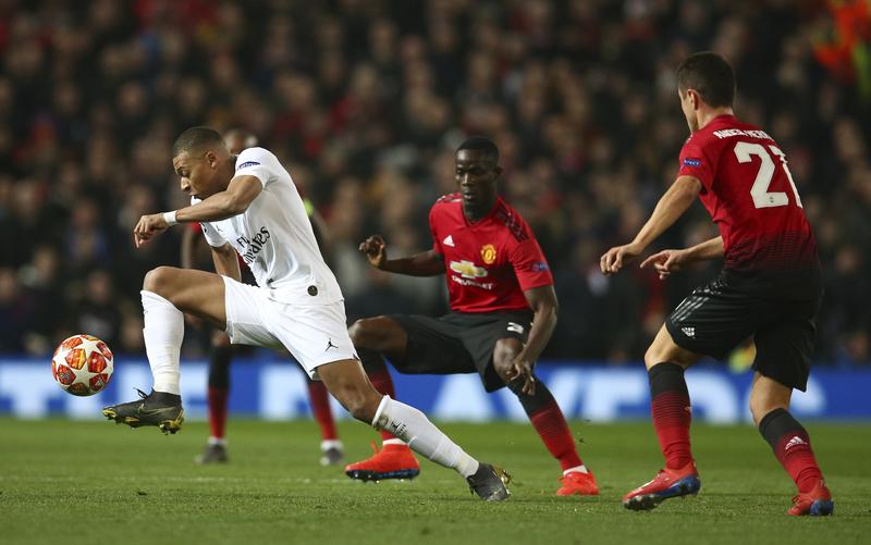Mbappé ya ha empezado a constar en el partido.<br>
