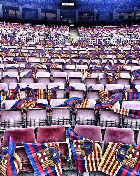 Los aficionados que acudan al Camp Nou para ver el Clásico tendrán una bandera en su sitio FOTO: FCB