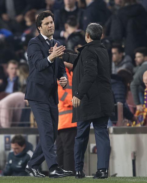Valverde y Solari se saludan tras el final del partido FOTO: PERE PUNTÍ