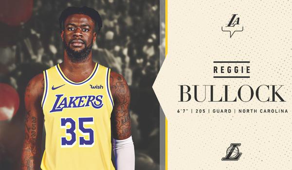 Bullock ya posa como 'laker'
