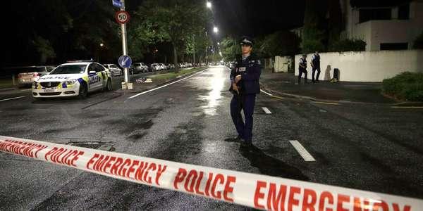 Christ Church Shootings Twitter: Attentat Terroriste En Nouvelle-Zélande : Un Homme Décrit