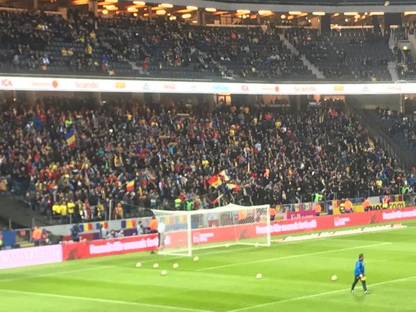 """Bra drag på det AIK """"Norra stå"""". I dag är det fullt ös Rumänien där! 🚀"""