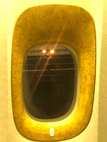 Vi scrivo dall'aereo, pronti a decollare. Da Dubai. Ancora un'ora e mezza di volo e poi saremo a Manama. 🇧🇭