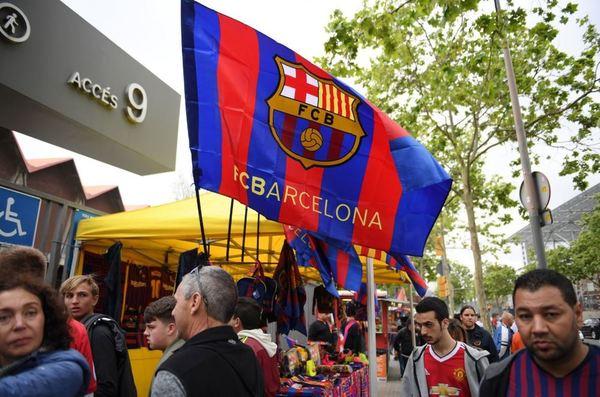 Nos llegan las primeras fotos de los alrededores del Camp Nou. (Foto: Getty)