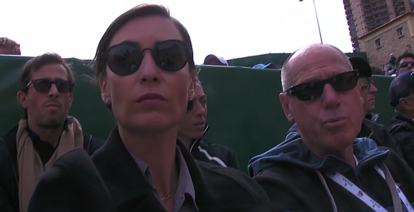 Flavia Pennetta, ex campeona del US Open. Esposa de Fabio Fognini. Atrás, la ya también ex tenista Francesca Schiavone