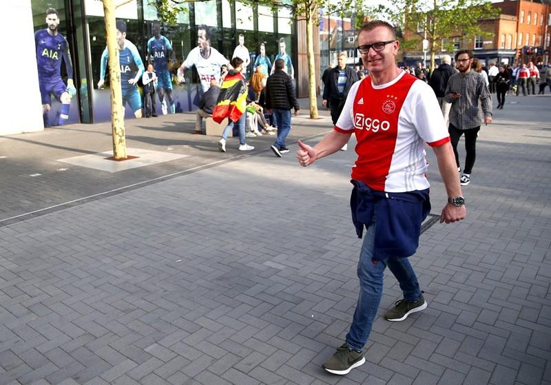Un aficionado del Ajax que animará a los suyos ante el Tottenham FOTO: UEFA.COM