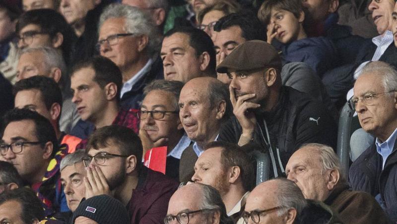 Guardiola está viendo el partido en directo con su padre. Foto: Pere Puntí - MD