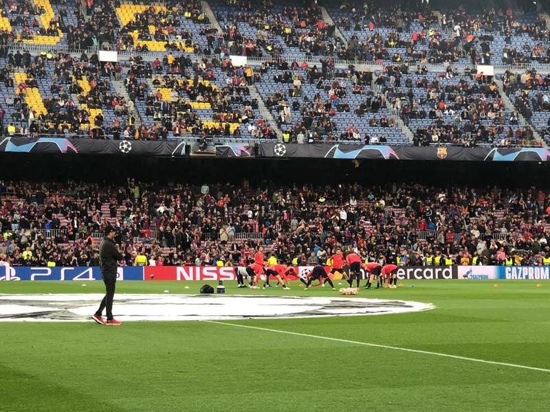 Klopp observa al Barça durante el calentamiento. Foto: MD