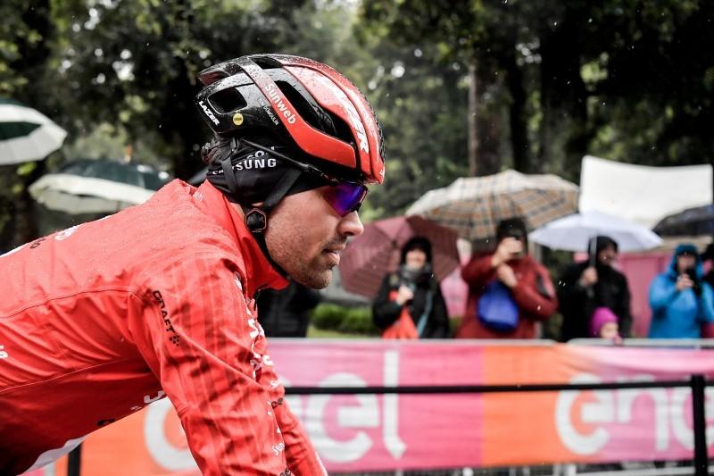 Tom Dumoulin comenzó la etapa e hizo el tramo neutralizado, antes de abandonar el Giro