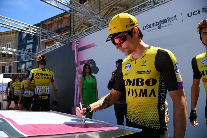 PRIMOZ ROGLIC (Lotto Jumbo) está viviendo una etapa plácida sin tener que defender la maglia rosa del Giro de Italia 2019