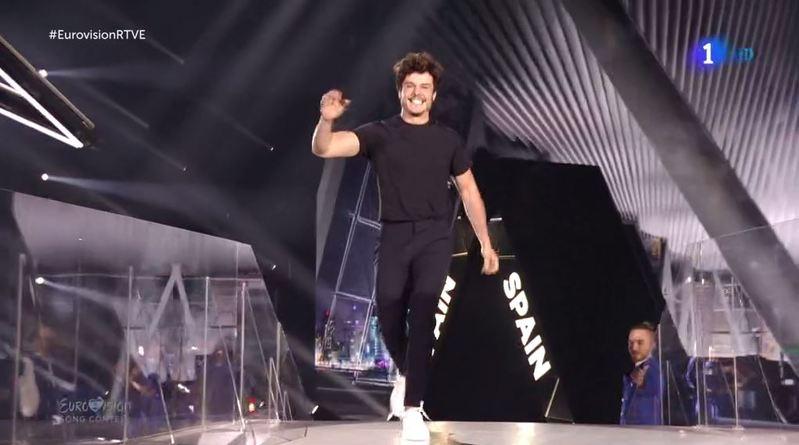 Así ha llegado Miki al escenario